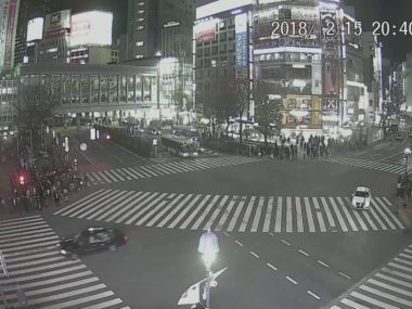 渋谷スクランブル交差点のライブ映像