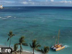 ハワイ・オアフ島のワイキキビーチからのライブ映像